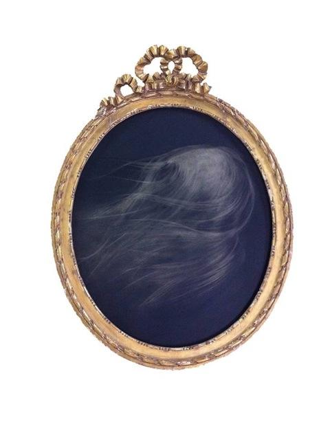 Charlotte Pringuey Cessac n° 5648 [Le Zphyr] 2014 Pierre noire sur calque polyester,Cadre ovale couronn dun nud, en bois dor, 85 x 65 cm,