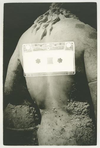 """Anita Gauran,""""Rayogrammes extrait de la série Sans titre"""", 2013, épreuves argentique sur papier baryté, épingles"""