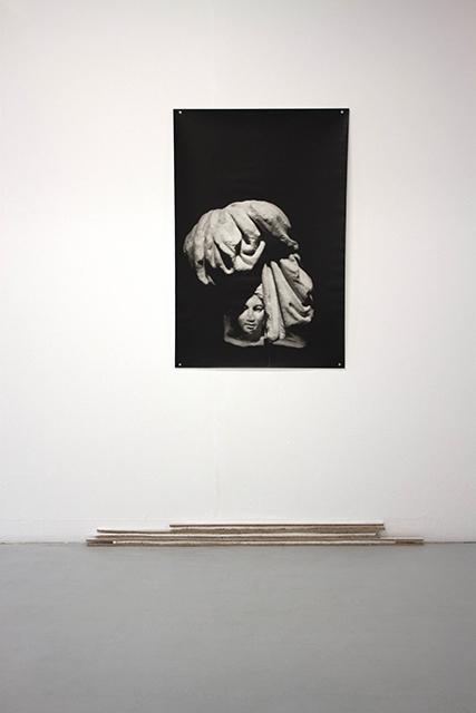 Hekataion-Cyclades-epreuve-photographique-argentique-sur-papier-baryte-107-x-71-cm-bois-polystyrene-aimants-dimention-variable-2012