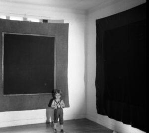 1972 1973 exposition valensin à la fenetre